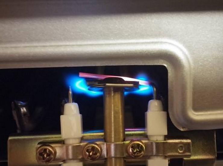 Почему газовая колонка загорается и тухнет
